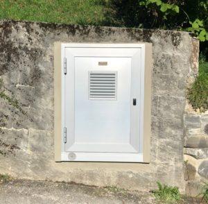 Rénovation d'une porte d'armoire BT sur mesure